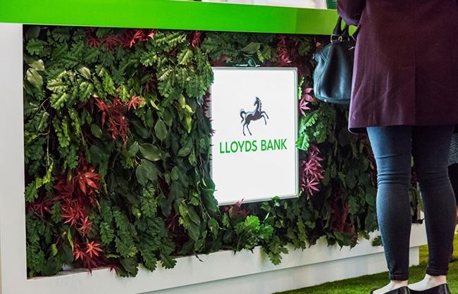 lloyds-kiosk